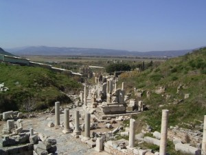 EPHESUS - MAIN STREET LEADING TO LIBRARY AND MAIN AMPHITHEATRE